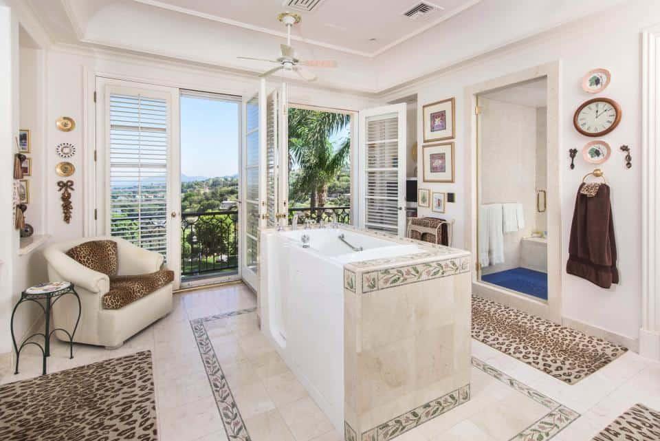 Tom Jones Bathroom - The Property Blog